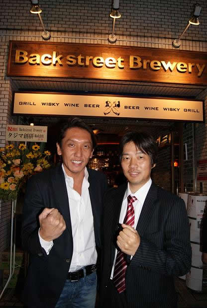 backstreet-brewery_mr-matsumura-inamoto_100519p-thumb-416x620-1955.jpg