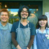 「高田馬場ビール食堂」がオープン。ロティサリーチキンと10種の樽生クラフトビールで朝5時まで営業!