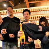 「全部日本酒のせいだ!」のキャッチフレーズで話題沸騰、「牡蠣と和牛ほいさっさ」が蒲田にオープン。神保町「Mr.happy」、立川「カツオ」に次ぐ日本酒業態3店舗目