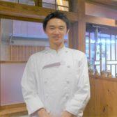 中国料理界で華麗なルーツを持つ、弱冠28歳の料理人が祖師ヶ谷大蔵に「胡同三㐂」をオープン。祖父・父の味を原点に、次世代を担う期待の新星だ
